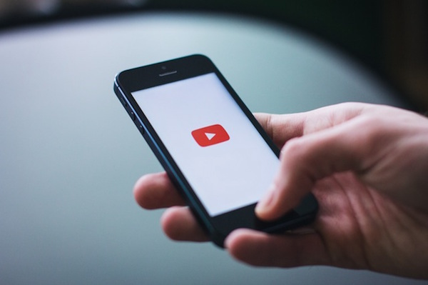 Seguire come ascolto ad un Youtube video in background sul vostro iPhone - Professor-falken.com