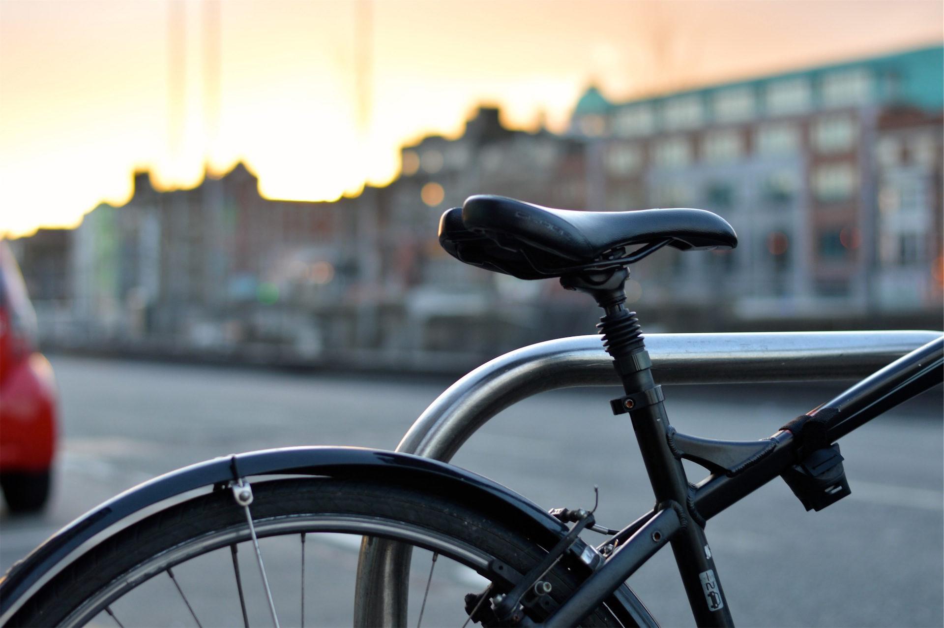 自行车, 座位, 马鞍, 车轮, 城市 - 高清壁纸 - 教授-falken.com