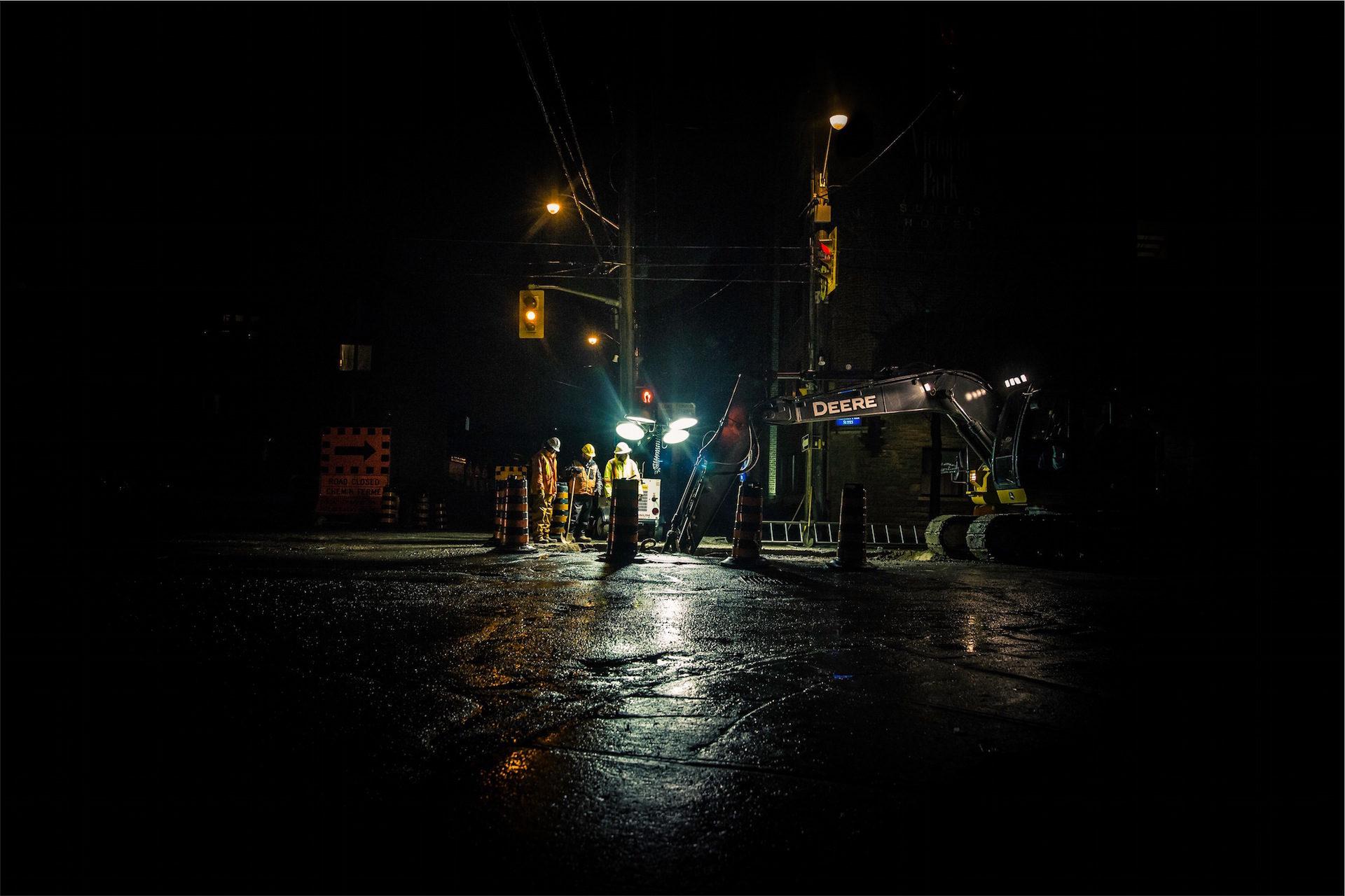 à noite, trabalhadores, manutenção, luzes de tráfego, Enquanto você dorme - Papéis de parede HD - Professor-falken.com