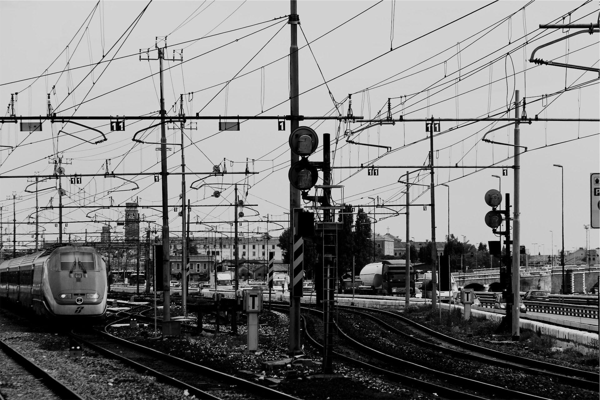 поезд, железная дорога, пути, catenaries, электричество - Обои HD - Профессор falken.com