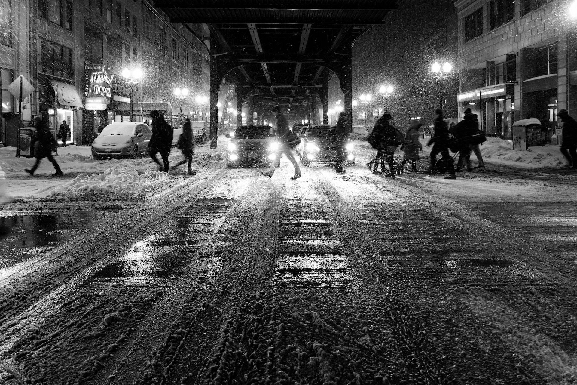 Winter, Schnee, Nacht, Lichter, in schwarz und weiß - Wallpaper HD - Prof.-falken.com